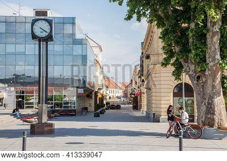 Vukovar, Croatia - May 12, 2018: Selective Blur On Young Croats, Teenagers, Boys And Girls, On The E