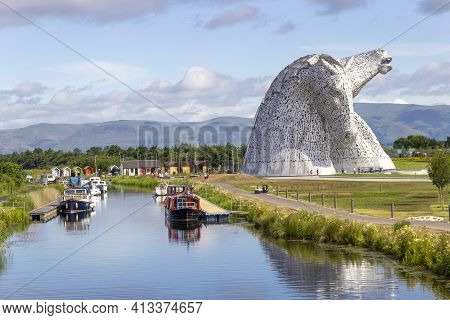 Falkirk, Stirlingshire, Scotland, Uk - July 17, 2014: A View Of The Falkirk Kelpies At The Forth & C