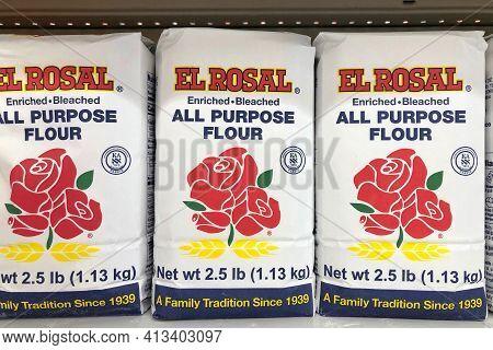 San Leandro, Ca - Mar 8, 2021: Grocery Store Shelf With Bags Of El Rosal Brand All Purpose Flour. En