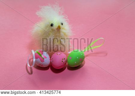 Easter Egg As Decoration. Decorated Easter Eggs On The Easter Table. Small Artificial Easter Chicken