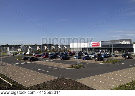 East Kilbride, South Lanarkshire, Scotland, Uk - May 13, 2019: The New Home Bargains Store On The Ol