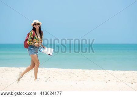 Happy Traveler And Tourism Women Travel Summer On The Beach. Asia Smiling People Holding Map And Ca