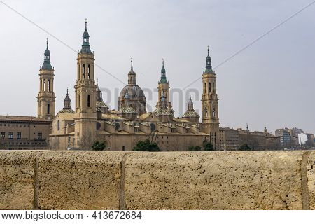 View Of The Historic Cathedral In The Old City Center Of Zaragoza