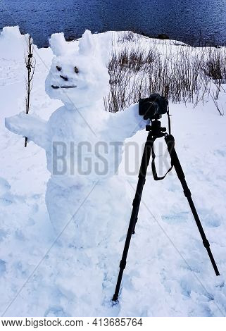 Big Happy Snowman With Tripod And Camera