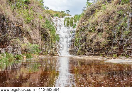 Capitólio - Mg, Brazil - December 12, 2020: Cachoeira Cascatinha Waterfall Surrounded By Rock Walls