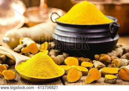 Turmeric Powder In Molten Metal Bowls On Wooden Table, Spices, Turmeric, Turmeric Root
