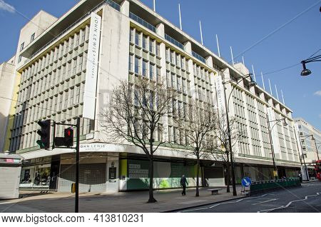 London, Uk - February 26, 2021: The Flagship Department Store Of The John Lewis Chain On Oxford Stre