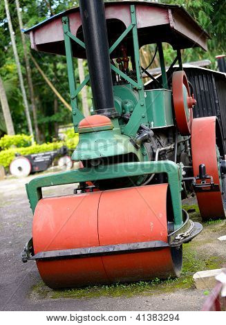 Old Steam Roller Machines For Laying Of Asphalt