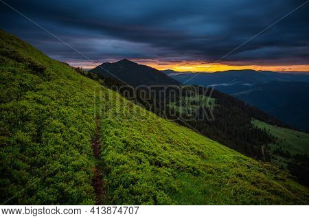 Majestic view of the mountains in the morning light. Location place Carpathian mountains, Ukraine, Europe. Vibrant photo wallpaper. Image of a dramatic landscape. Discover the beauty of earth.