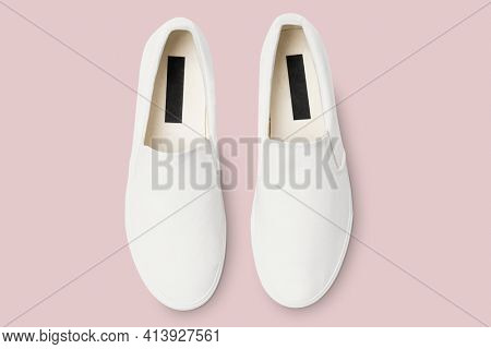 White slip-on unisex streetwear sneakers fashion