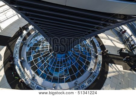 Steel, Glass And Mirrors - Architectural Details Of Reichstag Cupola