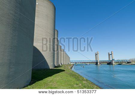Concrete Windbreak