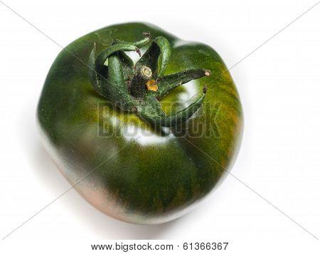 green organic tomato