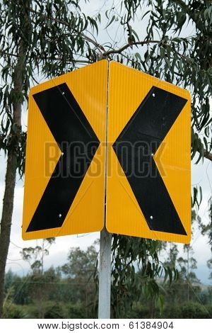 Converging Arrow Sign