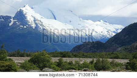 Snow capped mountains, Los Glaciares National Park, Argentina