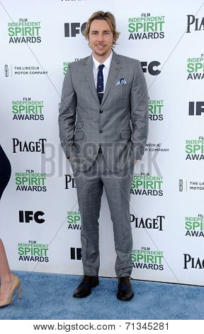 LOS ANGELES - MAR 01:  Dax Shepard arrives to the Film Independent Spirit Awards 2014  on March 01, 2014 in Santa Monica, CA.