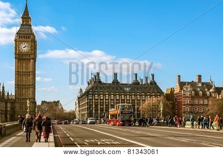 LONDON, UK - JANUARY 19: A view of the Big Ben from Westminster Bridge on January 19, 2015 in London, United Kingdom. Thousands of people cross this bridge daily to get a good view of the Big Ben