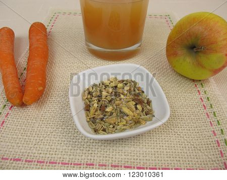 Tea smoothie with apple, carrot, ginger tea and liquorice root