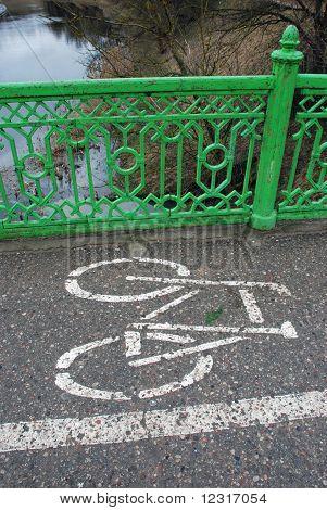 cycleway on the bridge