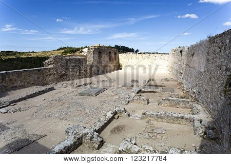 View of the dwellings ruins inside the castle of Torres Vedras