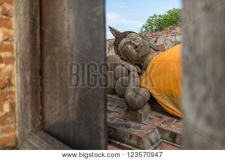 Reclinning Buddha