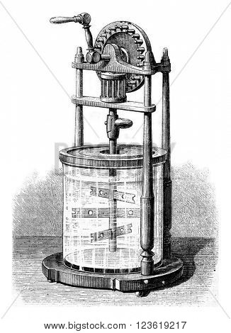 Economic churn glass, vintage engraved illustration. Magasin Pittoresque 1873.