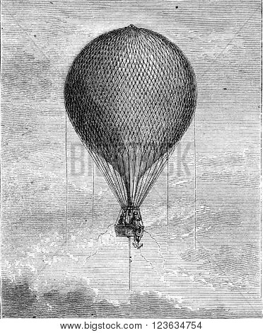 Balloon stowed in the air, vintage engraved illustration. Magasin Pittoresque 1870.