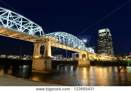 View of the Shelby bridger in Nashville, Tennessee at night