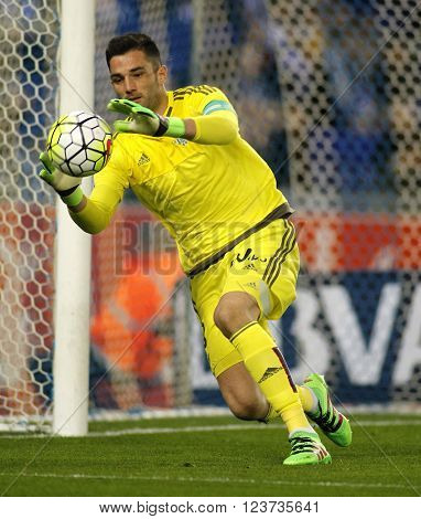BARCELONA - MARCH, 3: Antonio Adan of Real Betis during a Spanish League match against RCD Espanyol at the Power8 stadium on March 3, 2016 in Barcelona, Spain