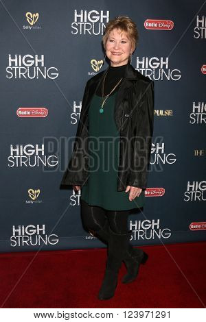 LOS ANGELES - MAR 29:  Dee Wallace at the High Strung premiere at the TCL Chinese 6 Theaters on March 29, 2016 in Los Angeles, CA