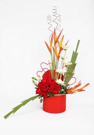 Valentine's Day roses gift arragement