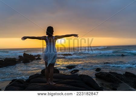 Balerina Beach Sunrise Silhouetted