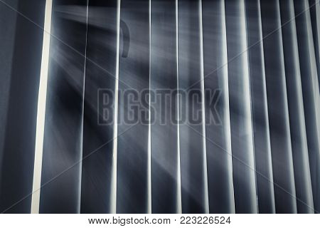 Light infiltrating in the cloud, shaded by the handle, large window