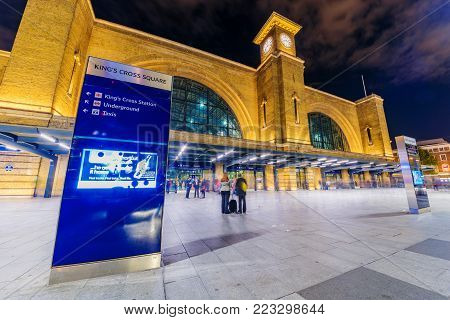 LONDON, UNITED KINGDOM - SEPTEMBER 23: This is a night view of Kings Cross Railway Station which is a famous busy station on September 23, 2017 in London