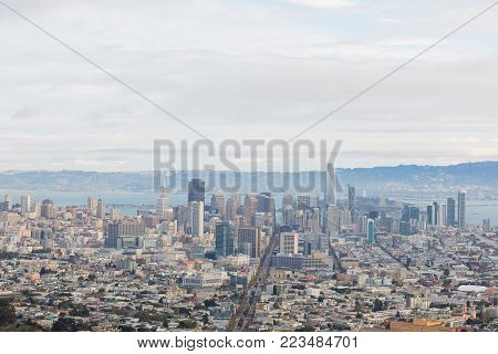 SAN FRANCISCO, CA - NOVEMBER 13, 2017: San Francisco downtown city view from the summit of Twin Peaks in the South Bay Area early in the morning.