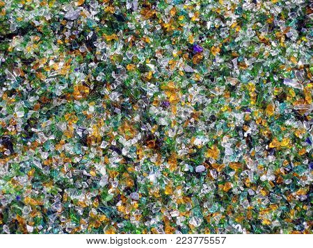 Colored recycled glass mulch, Tumbled glass, green and yellow