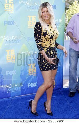 LOS ANGELES - AUG 7:  Fergie aka Stacy Ferguson arriving at the 2011 Teen Choice Awards at Gibson Amphitheatre on August 7, 2011 in Los Angeles, CA