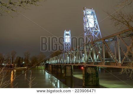 Pedestrian Bridge Over River In Salem Oregon The Pacific Northwest
