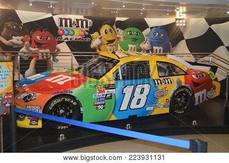 Car Inside M & M Store On The Las Vegas Strip. Travel Holidays June 26, 2017. Las Vegas Strip, Las Vegas Nevada USA.EEUU.