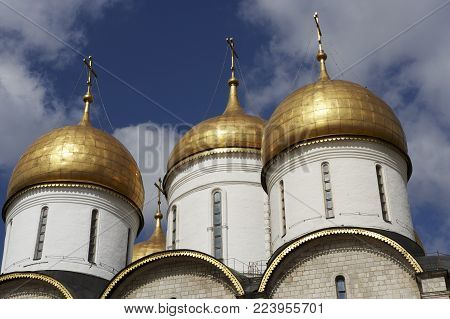DOMES OF THE ASSUMPTION CATHEDRAL KREMLIN MOSCOW RUSSIA