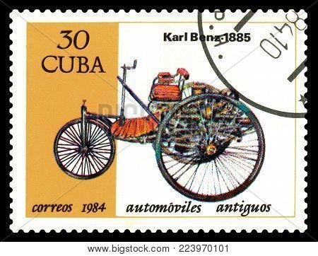 STAVROPOL, RUSSIA - Januar 27, 2018: a stamp printed by Cuba shows old car Karl Benz 1885, circa 1984