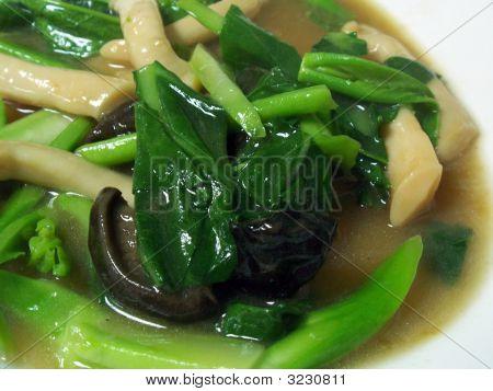 Chinese Styled Kai-Lan And Shiitake