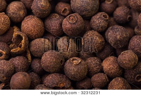 Pimento seeds