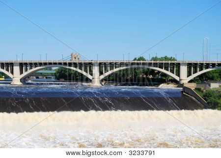 Bridge Over The Powerful Mississippi