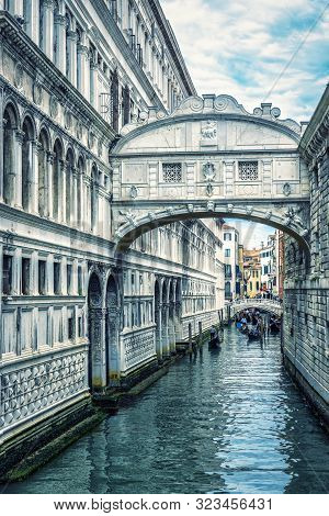 Bridge Of Sighs, Venice, Italy. It Is A Famous Landmark Of Venice. Vertical View Of Old Canal Under