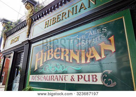Raleigh,nc/usa - 09-04-2019: The Hibernian Irish Pub And Restaurant In The Glenwood South Neighborho