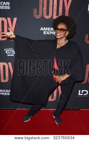 LOS ANGELES - SEP 19:  Jenifer Lewis at the