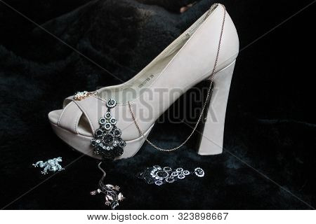 White Higher Heel Shoe Decorated Shine Bijou