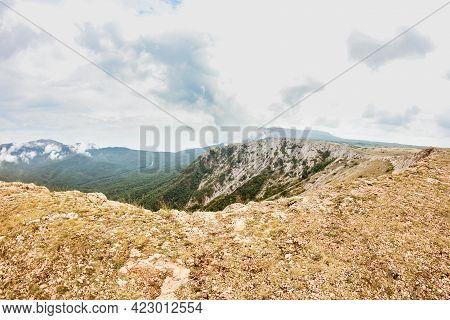 Big Lip Of The Chatyr-dag Plateau. Mountain Range Chatyr-dag In Crimea.