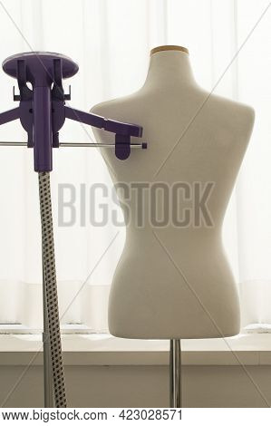 Joint Upper Body Mannequin For Clothes And Jewelry